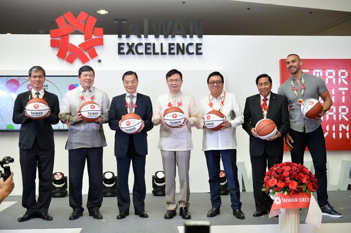 The opening of the Taiwan Excellence Experience Zone with guest PBA player Doug Kramer